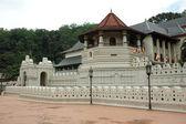 Famous Buddha Temple of the Sacred Tooth Relic ,Sri Lanka — Stock Photo