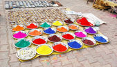 Colourful indian natural plant paints on the market — Stock Photo