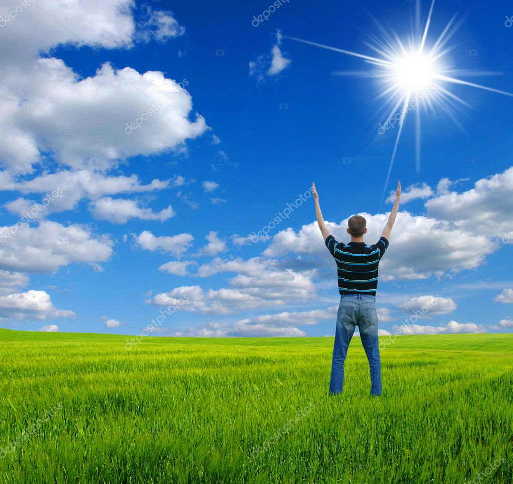 Man with arms outstretched to the sky — Stock Photo #2727813