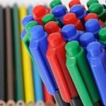 Colour pencils and felt-tip pens — Stock Photo