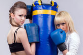 2 women involved in boxing — Stock Photo