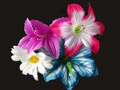 黑色背景上的人工 flowerses — 图库照片
