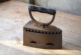 Kiriş tabloda eski demir — Stok fotoğraf