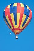 Fliegender ballon — Stockfoto