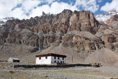 House in Himalaya mountains — Stock Photo