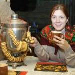 kobieta w pobliżu rosyjski — Zdjęcie stockowe