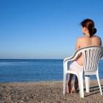 Girl relaxing at resort beach — Stock Photo #3108774