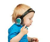 Boy listening to music — Stock Photo