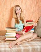Reading girl — Stock Photo