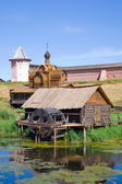 Water mill against Saviour-Euthimiev monastery — Stock Photo