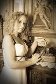 复古的金发女子肖像 — 图库照片