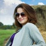 Girl wearing sunglasses — Stock Photo #4109424