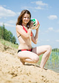 Female player with a ball — Stockfoto