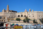 Senglea and boats in Dockyard Creek — Stock Photo