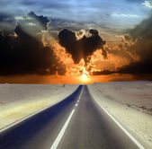 Road through desert — Stock Photo