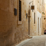 Narrow town street of Mdina — Stock Photo #5154319