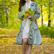 Girl in autumn park — Foto de Stock