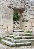 Eski taş avlu chufut-kale kapısı — Stok fotoğraf