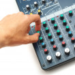 Hand and mixing console — 图库照片