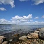 湖の石の海岸 — ストック写真