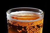 Glas med öl närbild — Stockfoto