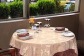 Restaurang tabellen arrangemanget — Stockfoto