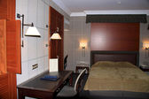 Typical hotel room - deluxe — 图库照片