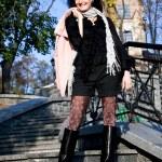 giovane bella donna outdoor — Foto Stock