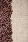 Kahverengi kavrulmuş kahve çekirdeği — Stok fotoğraf