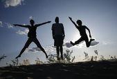 Hoppa av glädje — Stockfoto