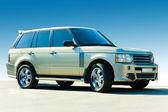 Carro de luxo de offroad. contra o pano de fundo de céu azul. — Foto Stock