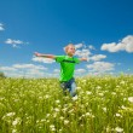 Happy boy the field — Stock Photo #4709484