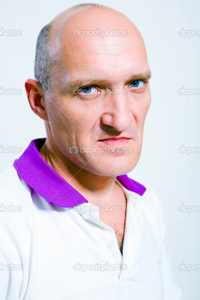 Portrait of the man indignation. Blue eyes. Bald — Stock Photo #4708088