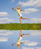 Happy girl jumping — ストック写真