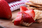 Wheat crackers with strawberry — Stock Photo