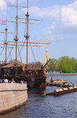 Frigate near Peter and Paul cathedral — Stock Photo