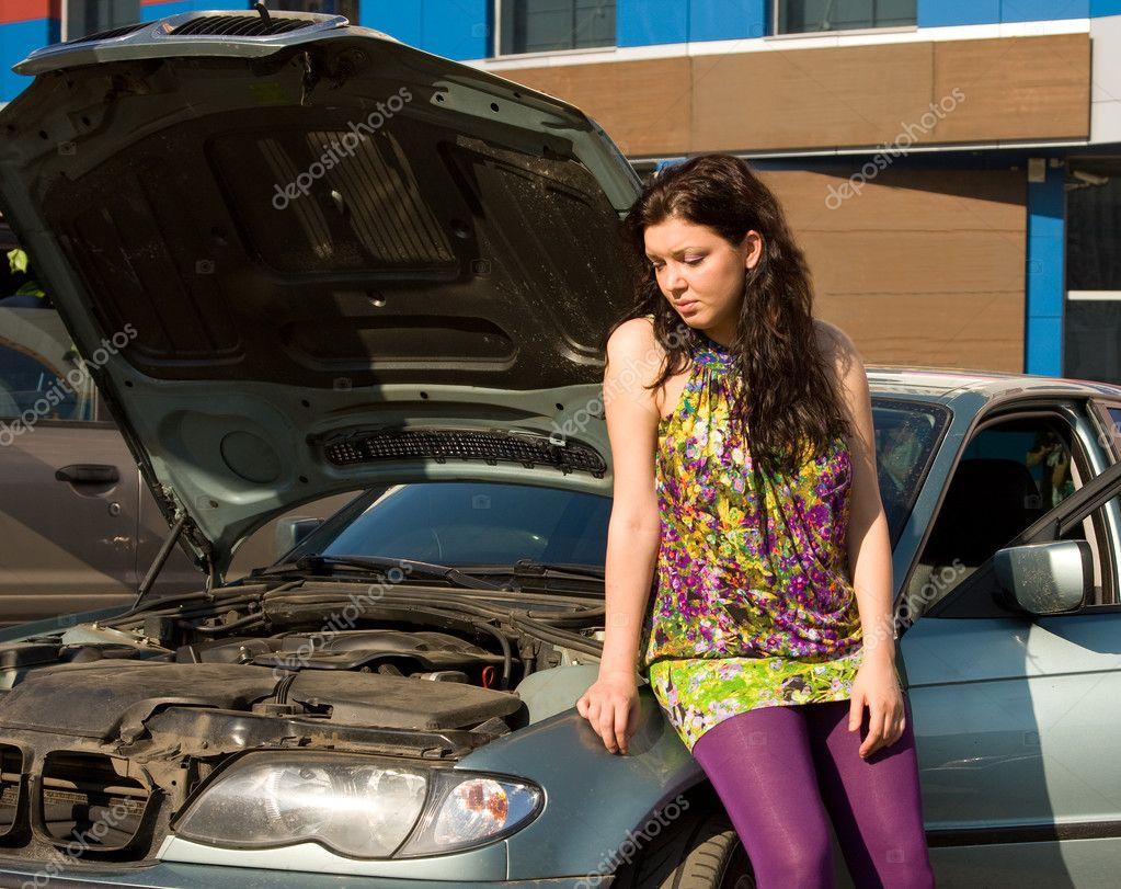 У девушки в дороге сломалась машина и она рассчиталась натурой 18 фотография