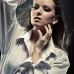 młoda kobieta moda piękny portret — Zdjęcie stockowe
