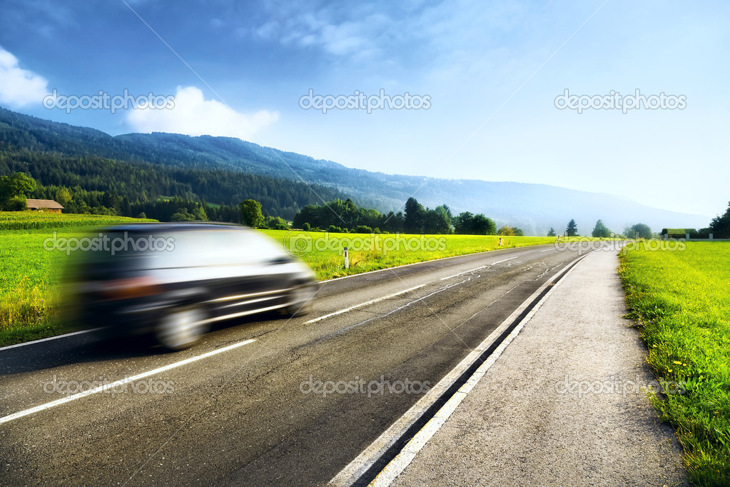 Mountains travel. Road with left driving. — Stockfoto #3728014