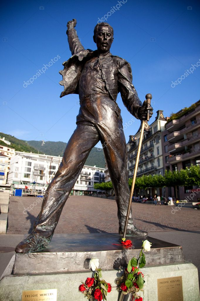 Statue of Freddie Mercury in Montreux Switzerland. — Stock Photo #3728082