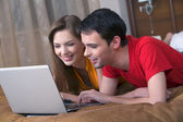 Couple with Laptop — Stock Photo