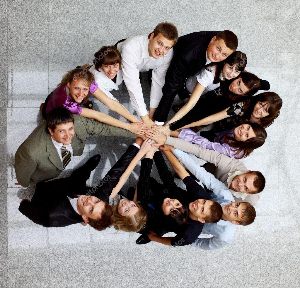 Необычные идеи для группового фото