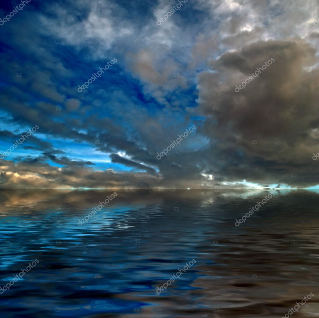 A dramatic sky with thunderclouds over the sea — Stock Photo #2824306