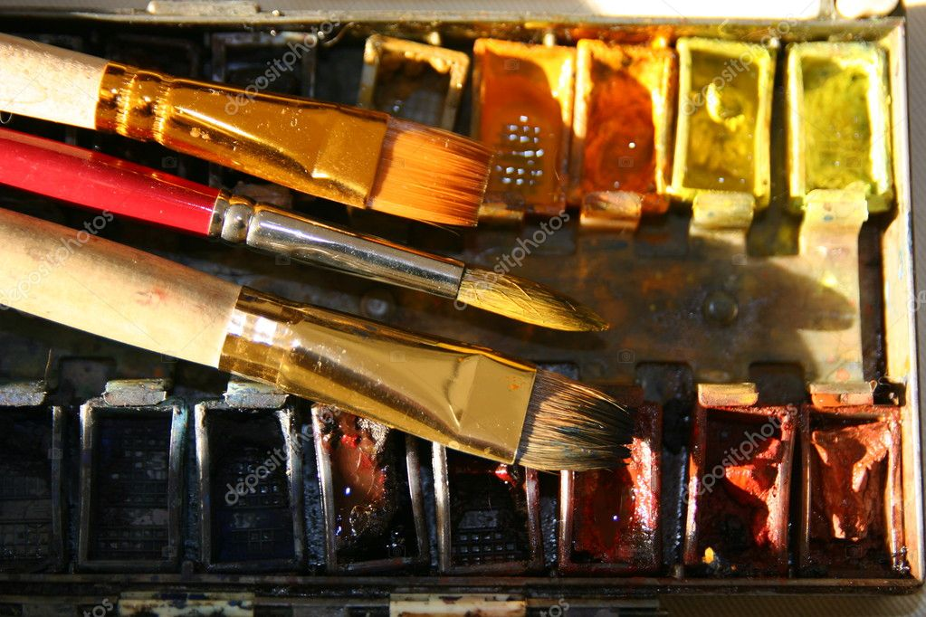Box of old colorful watercolors and three brushes — Stock Photo #3093972
