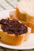 Bread with chocolate — 图库照片