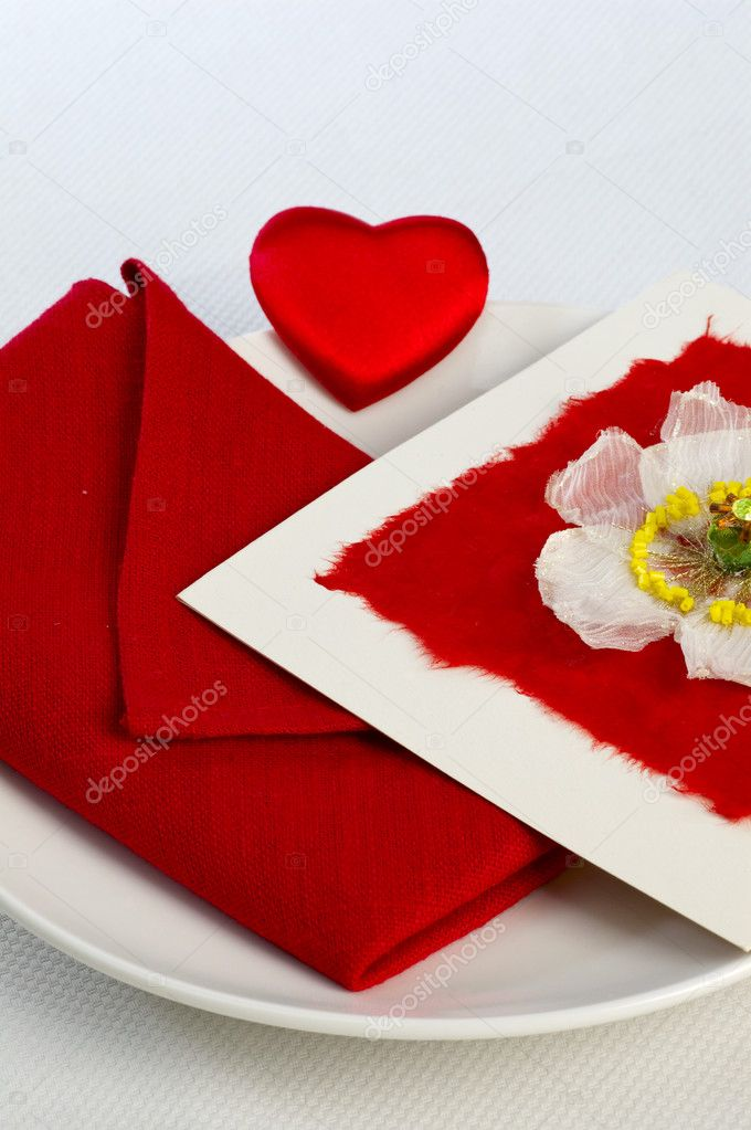 Valentine's Day Card on plate — Stock Photo #4366085