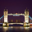 Tower bridge upplyst nattetid — Stockfoto #3724181