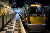 Passagierstrein binnen het station — Stockfoto