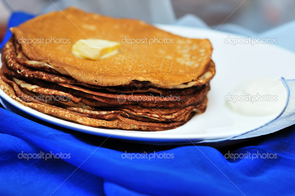 pile of tasty pancakes with butter  in soft focus — Stock Photo #2785763