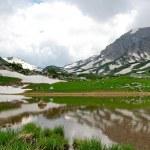 High-mountainous lake — Stock Photo